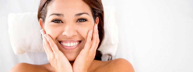 como cuidar tu piel de forma natural blog post banner